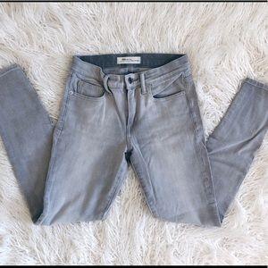 Gap True Skinny Jeans Grey